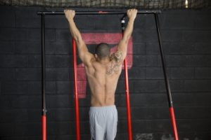 Lat Pulldown vs Pull-Up – Which is Best for You?